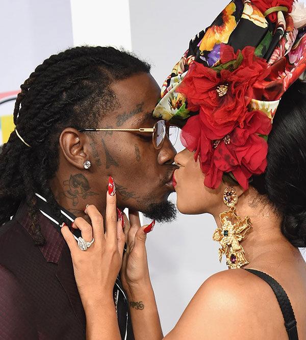 Offset, Cardi B share a kiss